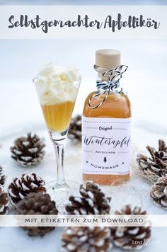 Perfect for cold winter days: Homemade apple liqueur to give away and . Perfect for cold winter days: homemade apple liqueur as a gift and s 2020 – weddin Easy Smoothie Recipes, Easy Smoothies, Snack Recipes, Liqueur, Camping Meals, Winter Food, Summer Drinks, Diy Food, Healthy Drinks