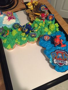 Throw an exceptional get-together for your children's birthday party with these 7 fascinating paw patrol party ideas. The thoughts must be convenient to those who become the true fans of Paw Patrol show. Paw Patrol Cupcakes, Paw Patrol Birthday Cake, 4th Birthday Cakes, Paw Patrol Cake, Fourth Birthday, 4th Birthday Parties, Birthday Kids, Cumple Paw Patrol, Diy Birthday Decorations