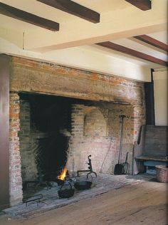 Now this is a fireplace. This wonderful fireplace is for cooking and drying within/near. It is part of Western European and Early American architecture and would be found in the main room of a house or a kitchen. Primitive Homes, Primitive Fireplace, Farmhouse Fireplace, Fireplace Hearth, Country Primitive, Fireplace Kitchen, Rustic Fireplaces, Farmhouse Interior, Fireplace Ideas