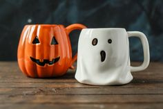 Jack O lantern and Ghost Mugs from Pottery Barn and Target. Halloween Mug, Halloween 2020, Holidays Halloween, Happy Halloween, Halloween Decorations, Halloween Displays, Cute Mugs, Hallows Eve, Pottery Barn
