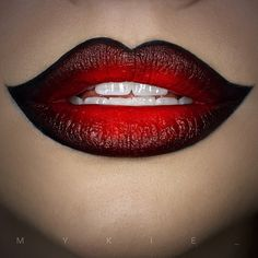 New halloween makeup vampire lips ideas Goth Makeup, Fx Makeup, Beauty Makeup, Maquillage Harley Quinn, Maquillage Kylie Jenner, Halloween Makeup Looks, Halloween Ideas, Beautiful Lips, Fantasy Makeup