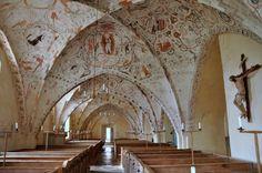 https://ktwop.files.wordpress.com/2016/05/st-maria-risinge.jpg szwecja, kościół z XII w. Freski z XV w.