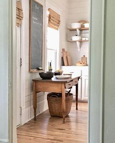 i love the soft subtle shades of color and the wood floors and table - feels pea. - i love the soft subtle shades of color and the wood floors and table – feels peaceful and 'home - Farmhouse Style Kitchen, Farmhouse Decor, Kitchen Country, Farmhouse Table, Sage Kitchen, Farmhouse Kitchens, Green Kitchen, Kitchen Colors, Sweet Home