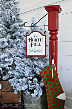 How to make a DIY Christmas Stocking Post Christmas Stocking Stand, Christmas Post, Christmas Signs, Outdoor Christmas, Rustic Christmas, All Things Christmas, Winter Christmas, Christmas Stockings, Christmas Ornaments