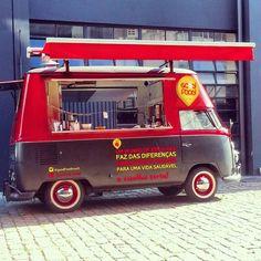 Reprodução - Os sócios Roberto Feriotti e André Freire investiram cerca de R$ 100 mil no Good Food Food Truck. O negócio tem como forte a venda de hambúrguer e linguiça de costela.