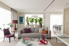 Luz natural e espaço de sobra. Veja: http://www.casadevalentina.com.br/projetos/detalhes/espacos-de-sobra-662 #decor #decoracao #interior #design #casa #home #house #idea #ideia #detalhes #details #style #estilo #casadevalentina #livingroom #saladeestar