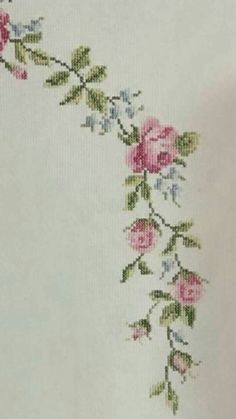 This Pin was discovered by Özn Cross Stitch Designs, Cross Stitch Patterns, Cross Stitch Embroidery, Hand Embroidery, Rose Colored Glasses, Prayer Rug, Diy And Crafts, Sewing, Handmade