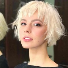 Short Hairstyle Ideas To Look Great In 2019 - BobHairstyles haircuts Hairstyles pixiecut pixiehair shorthair shorthaircut ShortHaircuts shorthairstyles - Short Hairstyles - Hairstyles 2019 642185228094757667 Choppy Bob Hairstyles, Bob Hairstyles For Fine Hair, Haircuts With Bangs, Short Straight Hairstyles, Stylish Hairstyles, Hairstyle Short, Bobs For Thin Hair, Wavy Hair, Red Hair