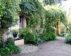 JARDIN LA POMME D'AMBRE – REGION PROVENCE-ALPES-COTE-D'AZUR – DÉPARTEMENT DU VAR « Un jardin de bric et de broc »