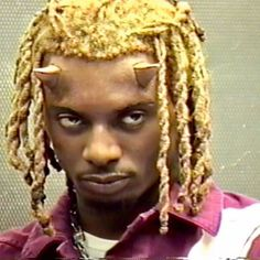 Rapper Wallpaper Iphone, Rap Wallpaper, Arte Hip Hop, Hip Hop Art, Aesthetic Images, Red Aesthetic, Tyler The Creator Wallpaper, Black Vampire, Best Profile Pictures