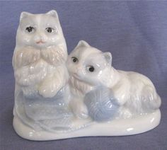 "Small Porcelain Cat Figurine - 2 Kittens Playing with Yarn, 3.5"" High 4.5"" Wide"