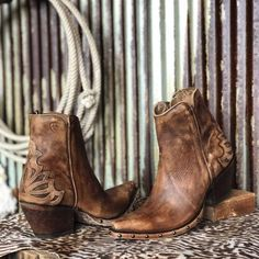 The Fenix Savannah Sevens Western Chic Western Chic, Cowboy Boots Women, Western Boots, Short Cowgirl Boots, Ankle Cowboy Boots, Botas Boho, Savannah Sevens, Heeled Boots, Shoe Boots