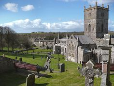 Ten Beautiful Cathedrals and Churches in the UK