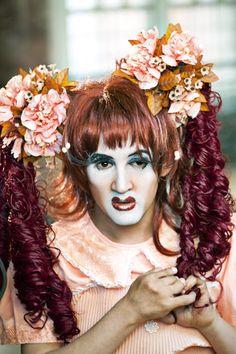 História sobre drag queens com deficiência tem valor universal, diz o diretor Tim Lienhard - Notícias de cinema - AdoroCinema