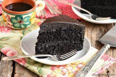 Nanny's Black Midnight Cake Dark Chocolate Cakes, Chocolate Chip Banana Bread, Chocolate Desserts, Chocolate Heaven, Chocolate Lovers, Hot Chocolate, Healthy Dessert Recipes, Delicious Desserts, Cake Recipes