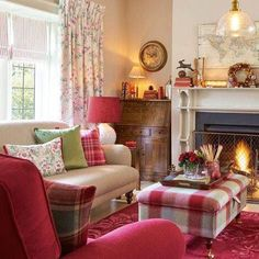 ideas house interior ideas lounge laura ashley for 2019 Cottage Living Rooms, Cottage Interiors, New Living Room, Living Room Decor, Small Living, Laura Ashley Living Room, Laura Ashley Furniture, Laura Ashley Home, French Country Living Room