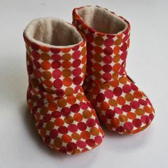 Hand made fabric baby boots (bright spots) 0-3 months ♥