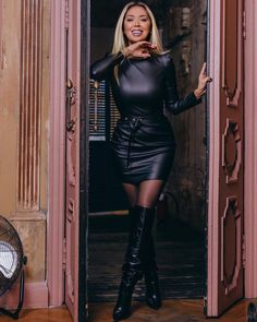 Celebrity Boots, Leather Catsuit, Black High Boots, Botas Sexy, Leather Dresses, Leather Outfits, Sexy Boots, Mode Outfits, Belle Photo