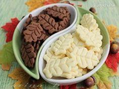 Citrónové a škoricové sušienky - recept Galletas Cookies, Xmas Cookies, Cake Cookies, Cupcake Cakes, Toffee Bars, Good Food, Yummy Food, Czech Recipes, Biscuit Cookies