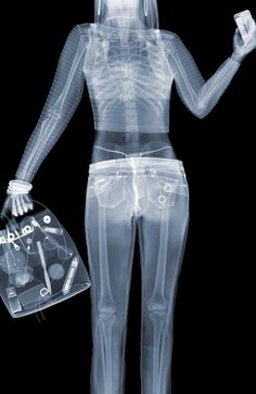 Artist Nick Veasey spent 20 years exposing himself to harmful X-Ray radiation all in the name of art. He went above and beyond to expose what lies beneath, [. American Apparel, Sweat Vintage, Jean Calvin Klein, What Lies Beneath, Valley Girls, Portraits, Photo Art, Poses, Museum