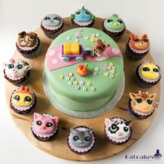 Littlest Pet Shop Cake And Cupcakes Cake includes a toy as a gift fot the girl, but cupcakes are all in fondant.