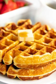 Perfectly Easy Homemade Waffle Making homemade waffles has never been easier! This waffle recipe is fail proof and can be made ahead and kept in the fridge for up to 5 days. It makes a perfect waffle that is fluffy on the inside and crispy on the outside. Easy Waffle Recipe, Waffle Recipes, Pastry Recipes, Brunch Recipes, Pancake Recipes, Crepe Recipes, Waffle Batter Recipe, Buttermilk Waffles, Pancakes And Waffles