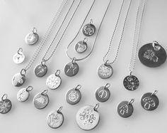 Handmade gravierte Silberplättchen mit verschiedenen Motiven Tiere Sternzeichen Tierkreiszeichen Blumen