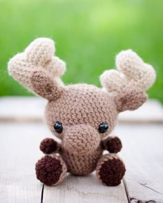 Create your own adorable little moose with this written crochet pattern! This pattern includes one PDF file (5 pages long) with detailed