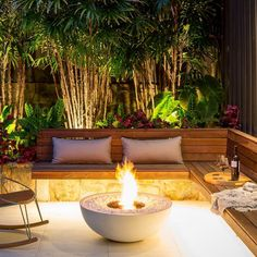 The Best 20 Garden Decoration Ideas Of 2019 Fire Pit Seating, Fire Pit Area, Backyard Seating, Backyard Patio Designs, Outdoor Seating Areas, Fire Pit Backyard, Garden Seating, Fire Pit Bowl, Outdoor Fire Pit Table