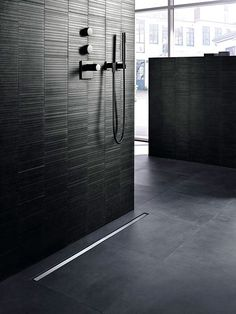 With the Geberit wall drain for shower, the water outlet is located in the wall. A hair trap is located behind a simple cover plate that is easy to remove for uncomplicated, fast cleaning. This visually and technicall. Bathtub Drain, Shower Drain, Shower Floor, Tub Tile, Floor Drains, Shower Units, Basement Flooring, Bathroom Inspiration, Small Bathroom