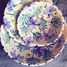 Ceramic Teapots, Ceramic Clay, Ceramic Painting, Ceramic Plates, Pottery Painting Designs, Pottery Designs, Paint Designs, Blue Pottery, Pottery Plates