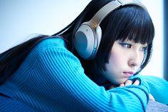 Girl With Headphones, Japanese Artists, Headers, Cute Girls, Beautiful Women, Draw, Kpop, Asian, Portrait