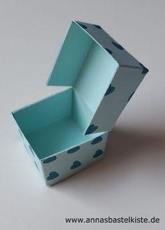Heute komme ich endlich dazu, euch die bebilderte Schritt-für-Schritt-Anleitung der mini Ferrero-Küsschen-Klappbox zu zeigen! Wenn ihr die einzelnen Bilder anklickt werden sie größer und ihr könnt …