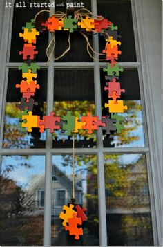 puzzle piece fall wreath - It All Started With Paint Puzzle Piece Crafts, Puzzle Art, Puzzle Pieces, Dyi Crafts, Crafts To Sell, Arts And Crafts, Spring Projects, Spring Crafts, Thanksgiving Crafts