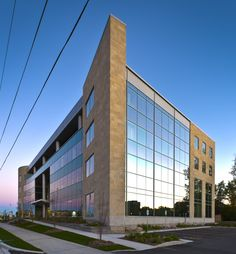 Chmiel Architects | Accreditation Canada Headquarters, Ottawa | Exterior