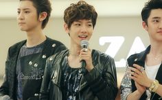 12.05.25 Hottracks Fansign at Youngdeungpo (Cr: moments: moments1007.com)