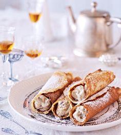 Waffeln mit Ricotta-Maronen-Füllung - Desserts für das Weihnachtsmenü - [LIVING AT HOME]