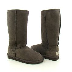 UGG Classic Tall Boots 5815 in Chocolate looks very fashionable and it also can make your comfortable and warm and could actually keep paws tremendously heated nevertheless dry out throughout the day. Don't miss our ugg boots in this cold winter. Ugg Boots Sale, Ugg Boots Cheap, Ugg Classic Tall, Classic Ugg Boots, Discount Boots, Discount Price, Sheepskin Ugg Boots, Zapatillas Nike Air, Uggs For Cheap