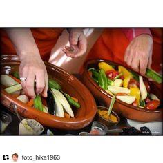 Det lukter god mat her. #reiseliv #reisetips #reiseblogger #reiseråd  #Repost @foto_hika1963 with @repostapp  Learning to cook @amalnonprofit #learningtocook #cooking #vegiterian