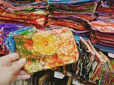 ぶらぶら迪化街めぐり/近頃気になる渋めカラーの客家花布   TAIWAN IKEKO Tableware, Ethnic Recipes, Travel, Dinnerware, Tablewares, Dishes, Place Settings