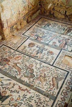 Mosaic of a cubiculum (bedroom) of the Roman villa del Casale in Piazza Armerina . - Mosaic of a cubiculum (bedroom) of the Roman villa del Casale in Piazza Armerina, Sicily.