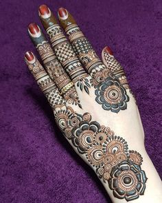 Finding the best simple and easy mehndi designs? I have curated the best top 25 simple mehndi design images. Dulhan Mehndi Designs, Mehandi Designs, Rajasthani Mehndi Designs, Arabic Bridal Mehndi Designs, Mehndi Designs Feet, Khafif Mehndi Design, Mehndi Designs For Girls, Stylish Mehndi Designs, Mehndi Design Photos