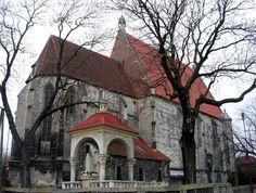 kolegiata w Wiślicy, stanowiąca pokutną fundację Kazimierza Wielkiego z połowy XIV wieku. Wzniesiono ją na poprzedniej, romańskiej świątyni, której pozostałości kryją się w podziemiach obecnego kościoła (wiślicka posadzka z XII wieku)