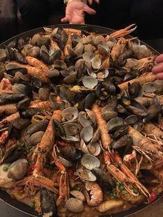 Paëlla Géante !! Thank You Cathy !! Paella, Cape Cod, Stuffed Mushrooms, Vegetables, Food, In Season Produce, Cabin, Cod, Stuff Mushrooms
