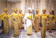 Nigerian Hausa bride Ameena Dabo and her ladies The 'Solange Bridesmaid Pose' 📷: Mofe Bamuyiwa African Bridal Dress, African Wedding Attire, African Inspired Fashion, African Fashion, Women's Fashion, Fashion Design, Popular Wedding Colors, Wedding Colours, Bridesmaid Poses