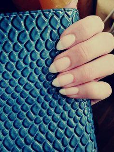 natural nails <3