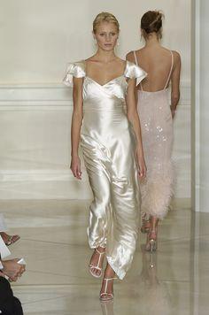 Ralph Lauren at New York Fashion Week Spring 2005 - Runway Photos Lovely Dresses, Beautiful Gowns, Beautiful Outfits, Armani Prive, Fashion Moda, Runway Fashion, Gq Fashion, Fashion Hacks, Christian Lacroix