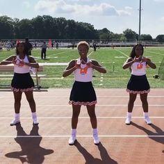 Cheer Dance Routines, Cheer Moves, Cheer Workouts, Cheerleading Chants, Cheerleading Pictures, Dance Choreography Videos, Dance Videos, Cool Cheer Stunts, Black Cheerleaders