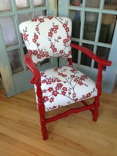 DIY: Upholstering a Small Side Chair – Artisan Upholstery Studio – Web Sitem Plywood Furniture, Design Furniture, Furniture Chairs, Bedroom Furniture, Modern Furniture, Futuristic Furniture, Coaster Furniture, Colorful Furniture, Furniture Projects