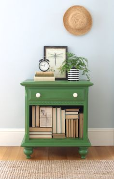 Night Stand Makeover with Old Fashioned Milk Paint
